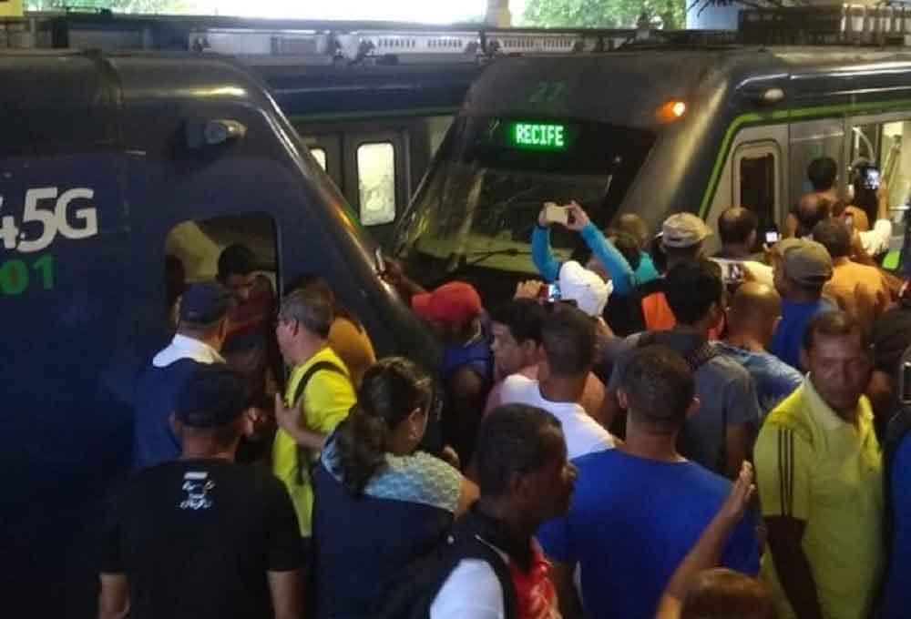 Trens colidem no Recife e deixam 47 passageiros feridos. Foto: Reprodução Whatsapp