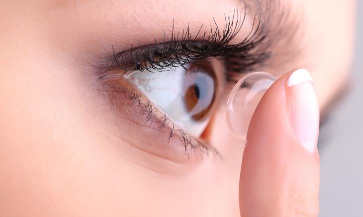 """Pesquisadores criam lentes de contato que """"curam"""" daltonismo"""