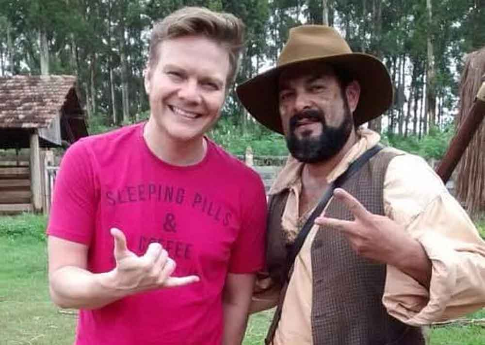 Ator de 'Escrava Mãe', Paco Rodrigues, morre em acidente de moto na Rodovia Anhanguera