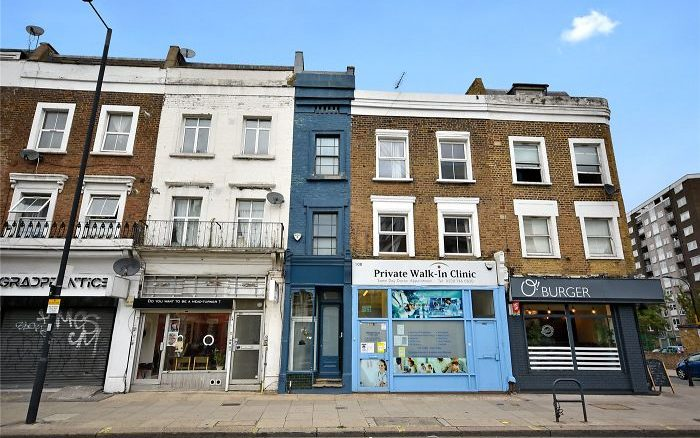 Casa mais estreita de Londres tem apenas 1,67 m de largura e está à venda por preço milionário. Imagem: winkworth