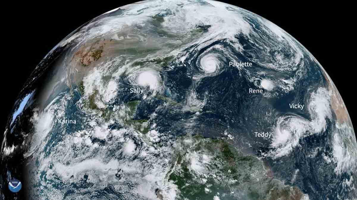 Um aglomerado quase sem precedentes de tempestades que podem virar furaões está se formando no Atlântico. Foto: NOAA