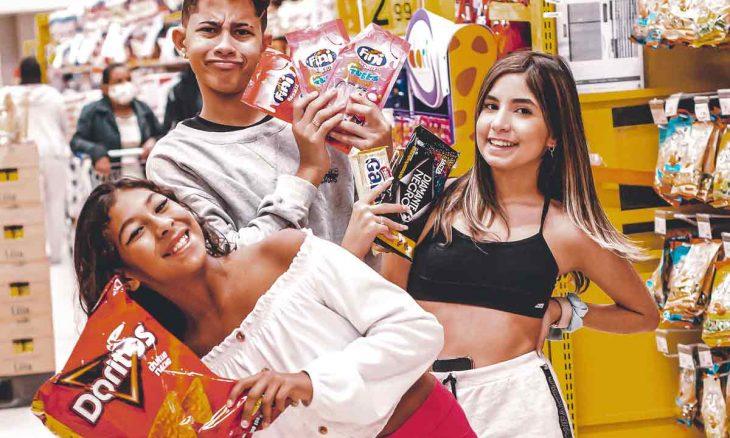 Primeiro hit da modelo e youtuber Millena Santo, Passinho da Amizade será gravado no estilo do brega funk. Foto: Divulgação