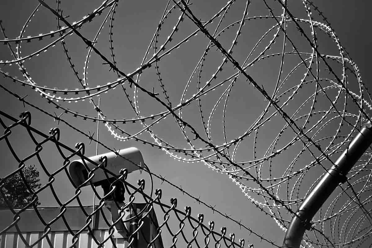 STJ confirma decisão que liberta presos que não pagaram fiança. Foto: pexel