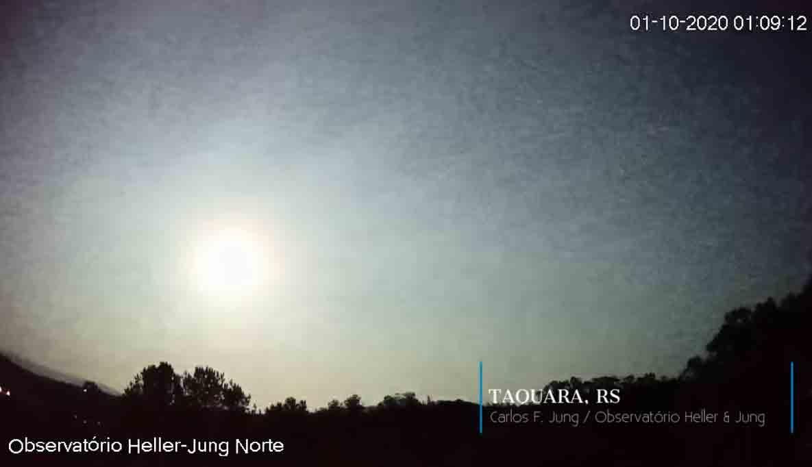 Caçadores de meteorito estão na busca do meteoro super luminoso que explodiu no Rio Grande do Sul, Foto: Reprodução Youtube