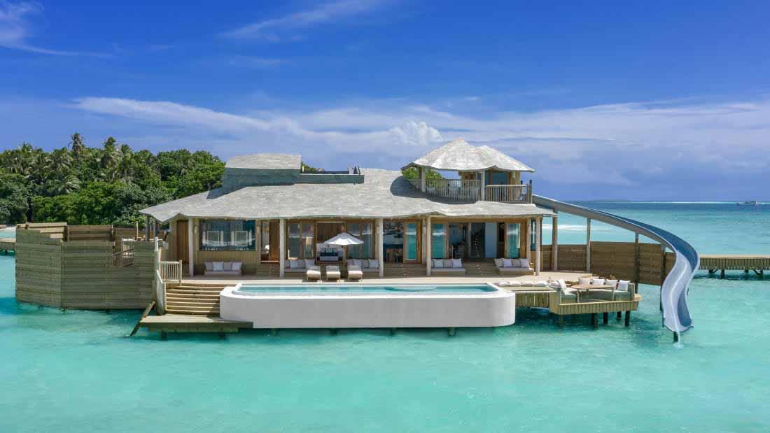 Resort nas Maldivas inaugura os maiores bangalôs sobre a água do mundo. Foto: Divulgação