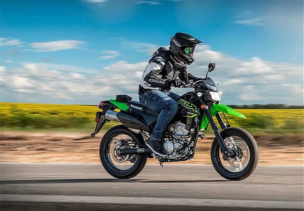 Kawasaki apresenta a nova  KLX300SM Supermoto 2021