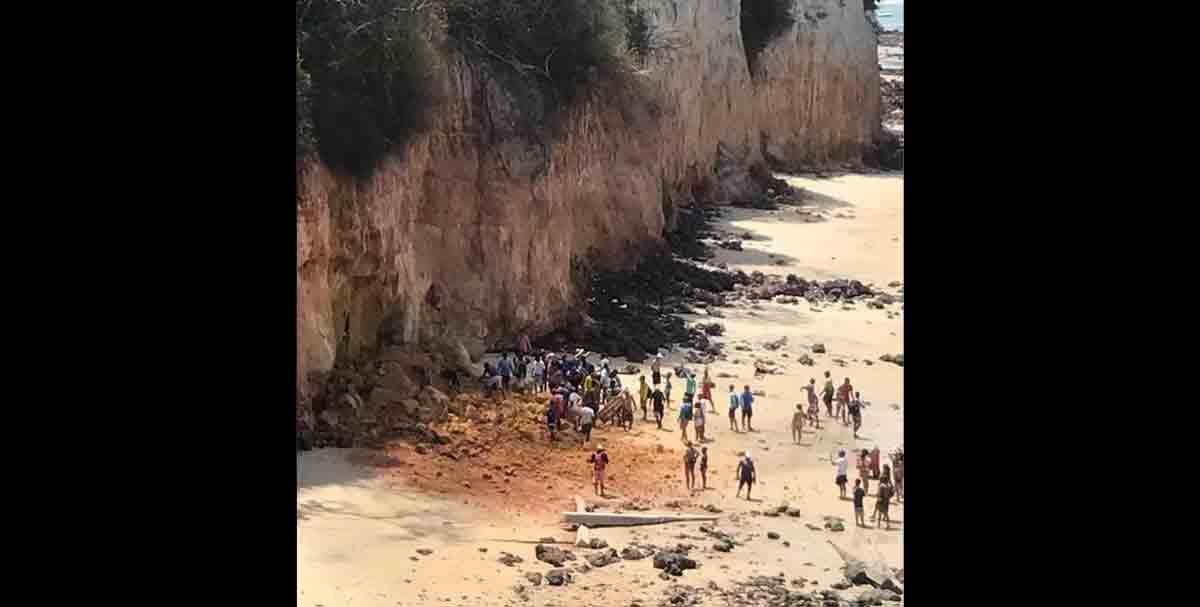 Desmoronamento de falésia mata casal e criança em praia de Pipa. Foto: Reprodução Instagram
