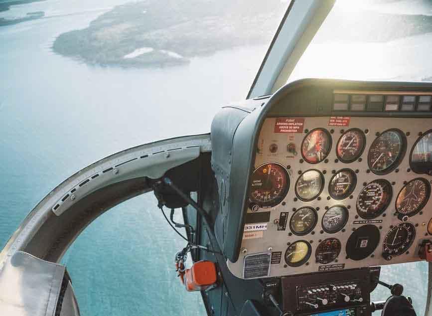 Helicóptero particular cai em Angra dos Reis. Foto: Pexel