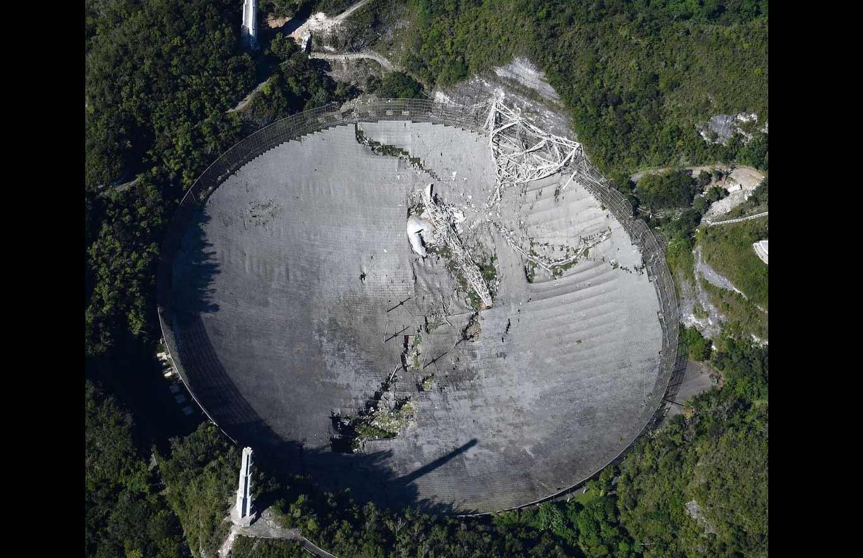 Colapso do telescópio do Observatório de Arecibo, encerra uma era de pesquisas. Foto: Instagram