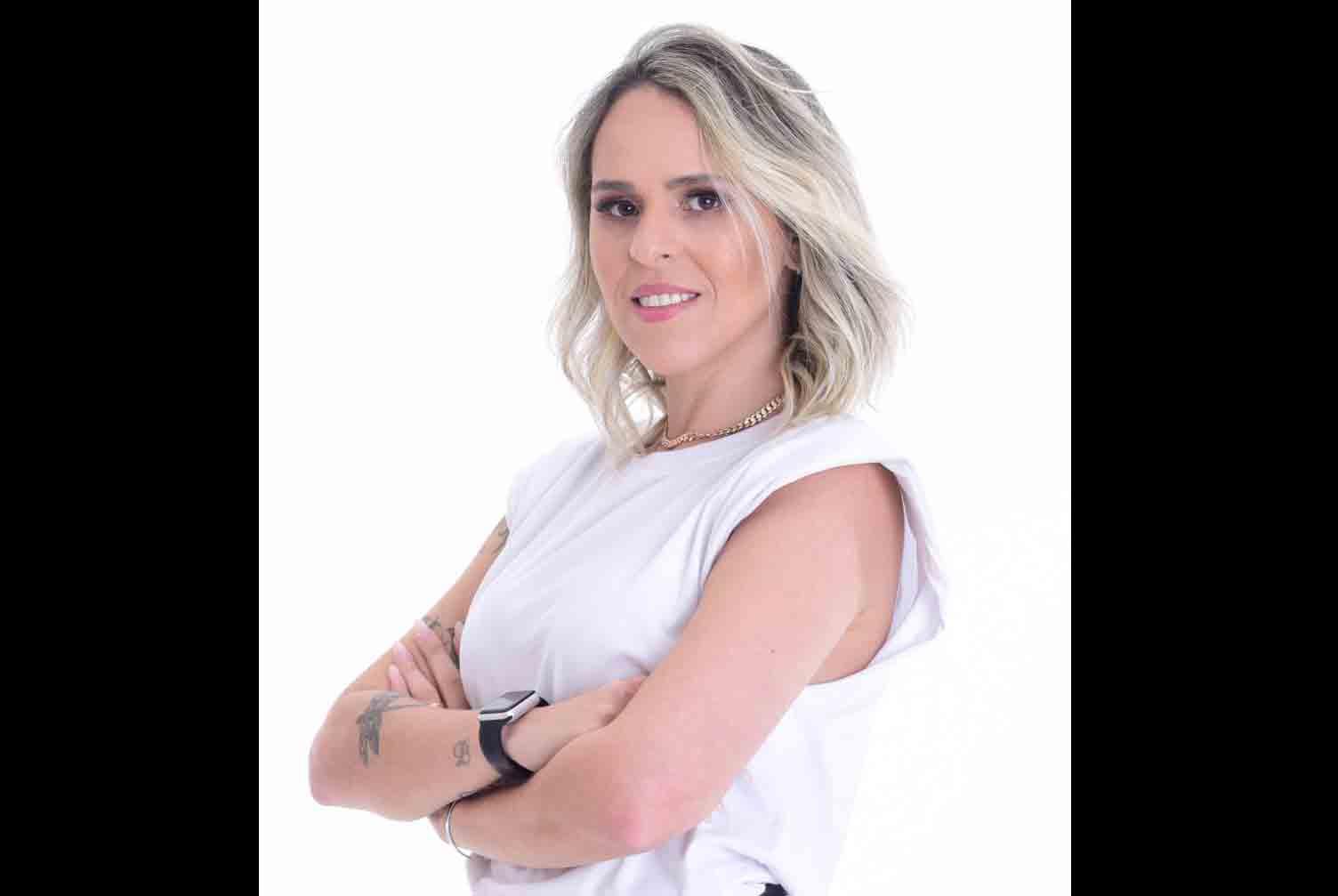 Brisa Dantas, psicóloga especialista em relacionamentos, lança curso que ajuda mulheres a desenvolverem amor próprio. Foto: Divulgação