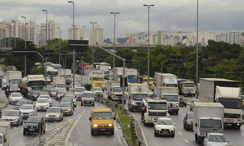 Rodízio de veículos não será suspenso nos dias 15, 16 e 17 em São Paulo