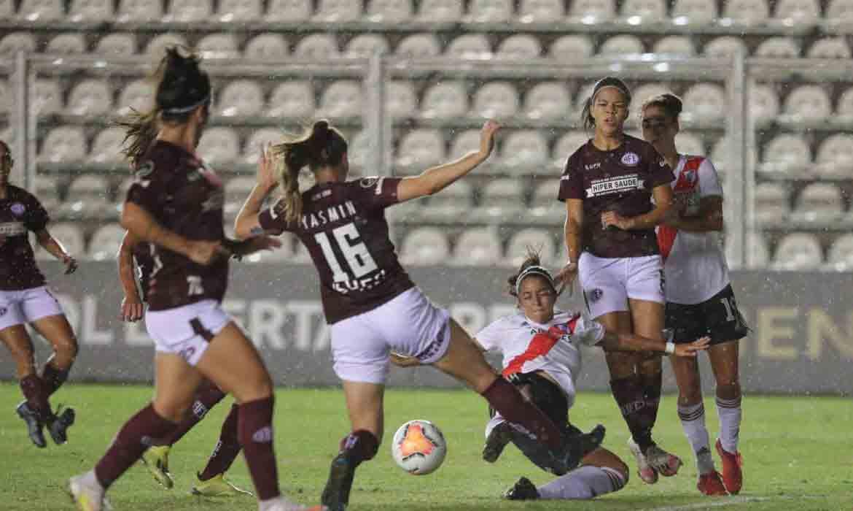 Zagueira-artilheira leva Ferroviária à semi da Libertadores Feminina. Foto:© Divulgação/Conmebol