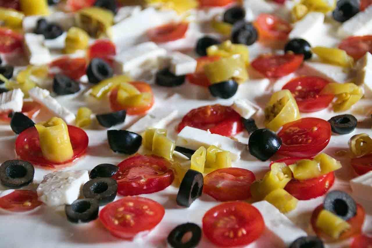 Receita fácil de macarrão com queijo feta e tomates cereja virou mania no TikTok. Foto: Pixabay