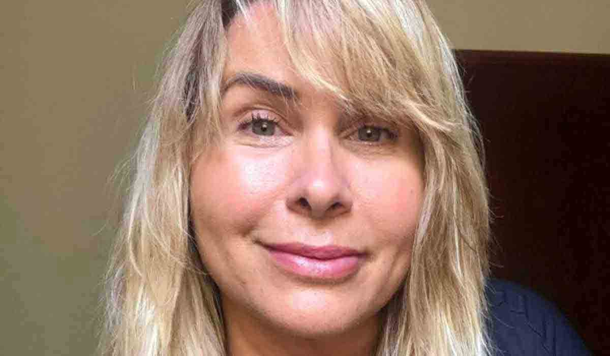 Andrea Sorvetão posta selfie natural sem edição e filtro: 'eu sou assim' (Foto: Reprodução/Instagram)