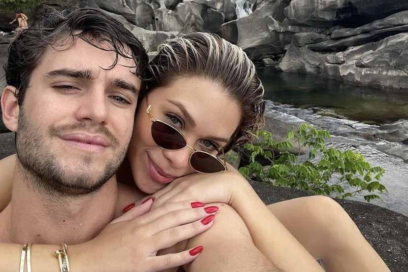 Flávia Pavanelli assume novo romance e posa com o namorado (Foto: Reprodução/Instagram)