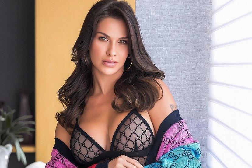 Andressa Suita posa com body ousado em look avaliado em R$ 15 mil (Foto: Reprodução/Instagram)