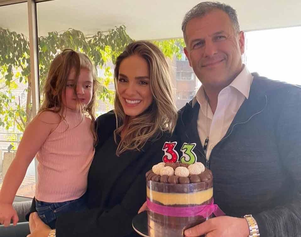Nayara a filha e o namorado Rodrigo Del Valle. Foto: Reprodução Instagram
